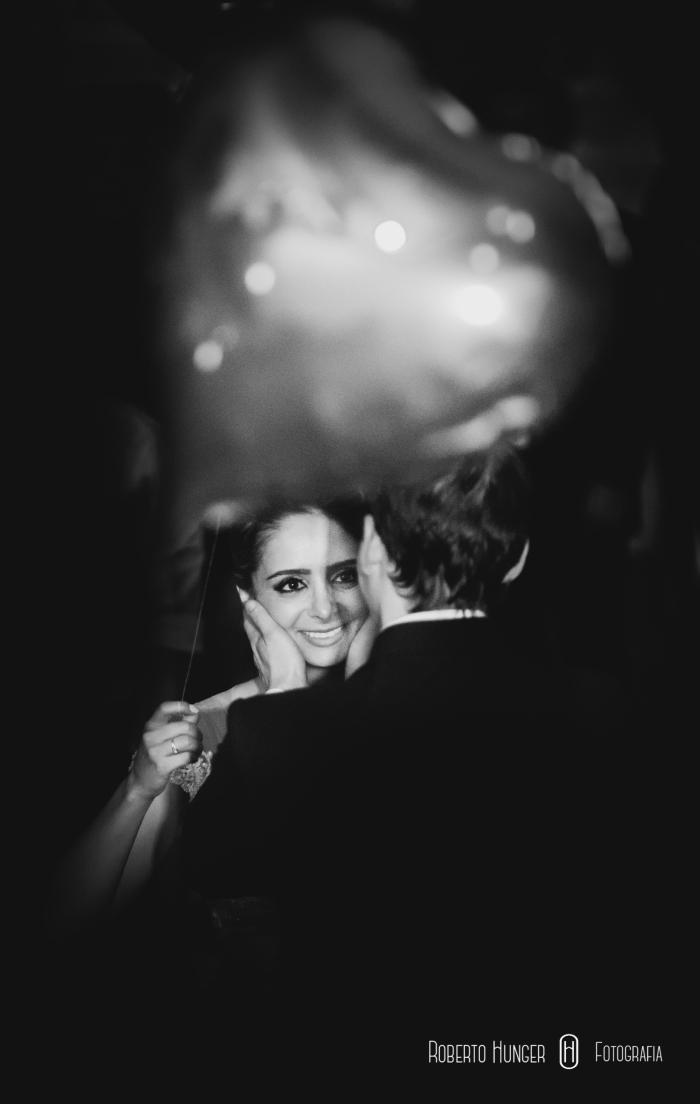 Casamentos em Pouso Alegre , foto em preto e branco de noivas