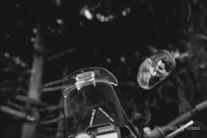 ensaios com motos em sessão pre casamento