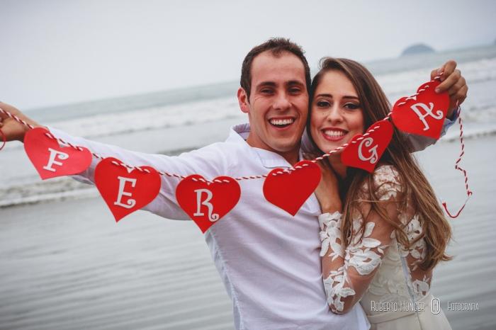 casal com iniciais do nome, corações em ensaios
