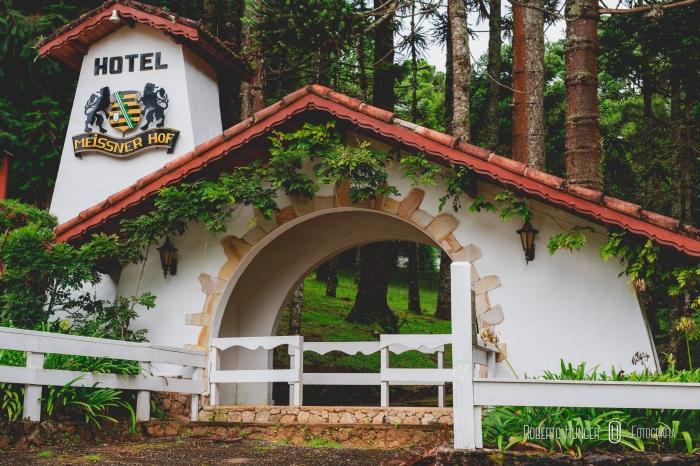 frente do hotel em monte verde, hotel para casamentos em monte verde, roberto hunger fotografia de casamentos, fotógrafo de casamentos em monte verde
