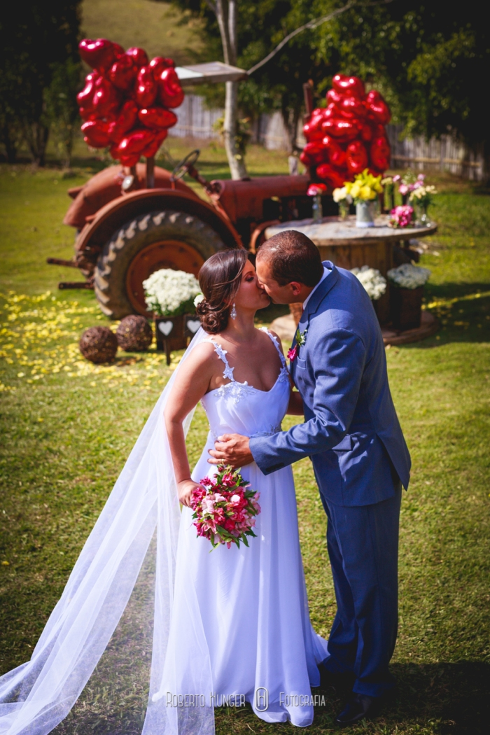 onde casar em congonhal, borda da mata fotografia de casamentos, onde-casar-em-cambui, onde-casar-em-itapeva, itapeva-fotografia-de-casamento, minas-gerais-fotógrafo-casamentos, pouso-alegre-fotografia-de-casamento, itajubá-fotografia-casamentos, alfenas-machado-varginha-fotografia-de-casamentos, monte-verde-casamento-no-campo, mini-wedding-minas-gerais, pousadas-casamentos-pouso-alegre, fotografia-casamentos-sul-de-minas-gerais, lambari-fotografo-de-casamentos, heliodora-fotografo-de casamentos, Roberto Hunger Junior; Estética Jéssica Pereira; make jéssica pereira, Tati Bueno cabelo; Vestido Atelier Rafael Garroni; Atelier Rafael Garroni; Decoração Cabana Hall Eventos; Cerimonial Cabana Hall, João Carlos Castro; Bufê Autieri Borin; Doces Kênia Vasconcelos; Bem casados Ana Cristina Bem Casados, Dj Junior Pee, Filmagem: 2B filmes