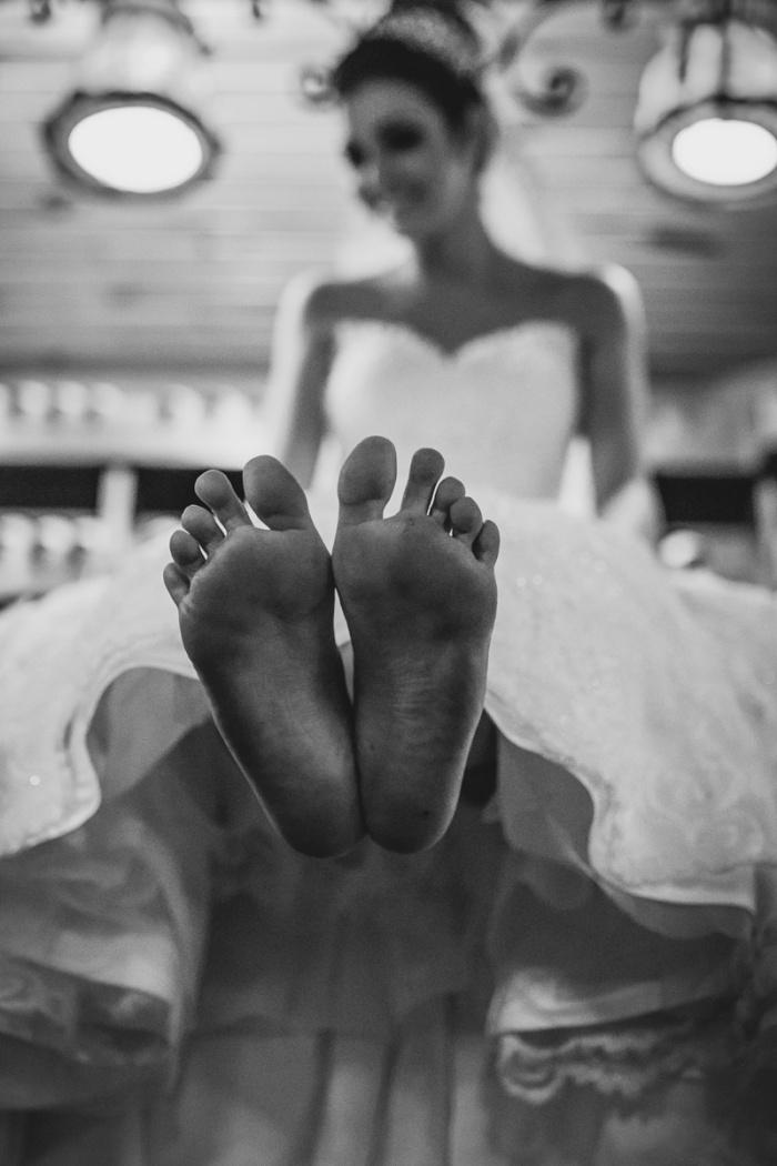 noiva de pés sujos