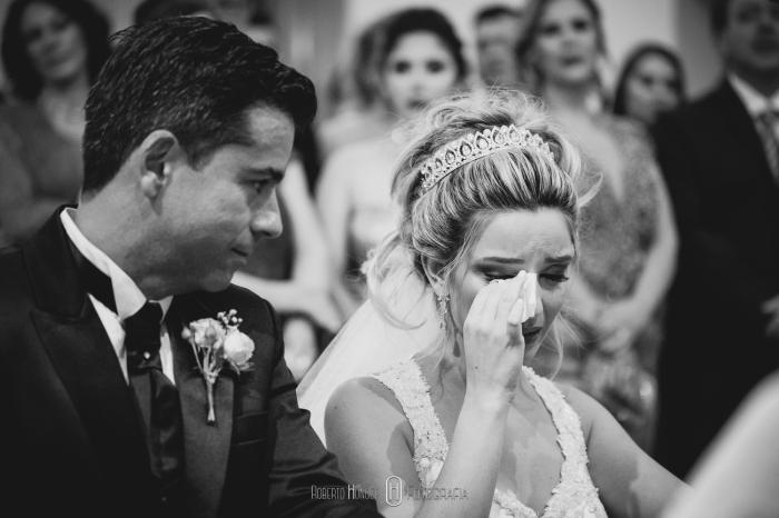 Linda homenagem da noiva parta seu pai no vestido de casamento, palavra pai escrita no vestido de casamento da noiva, véu personalziado para noivas, homenagem póstuma ao pai da noiva em cerimônia emocionante