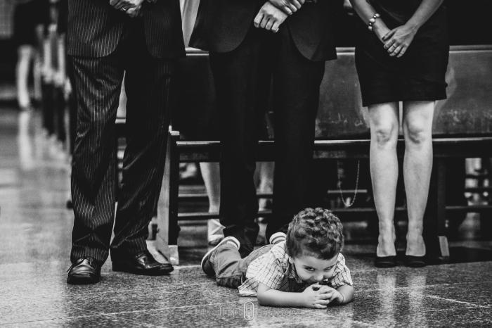 criança brincando durante casamento, Fotógrafo de casamento em ouro fino e jacutinga, santa rita do sapucai fotografia de 15 anos, fotógrafo pouso alegre e itajubá, lambari e trÊs pontas fotógrafo, Onde casar em Pouso Alegre?, casamento-em-itajubá-minas-gerais, fotografria-de-casamento-itajubá, pouso-alegre-fotos-casamentos, noivas-itajubá, fotógrafo-de-casamentos-pouso-alegre